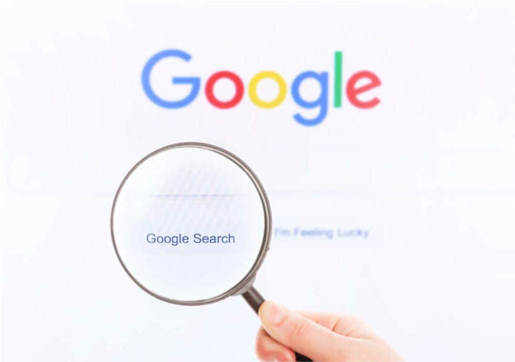 page recherche google avec loupe